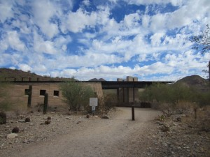 lost-dog-wash-trailhead-building