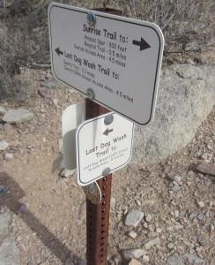 lost-dog-wash-trail-sign